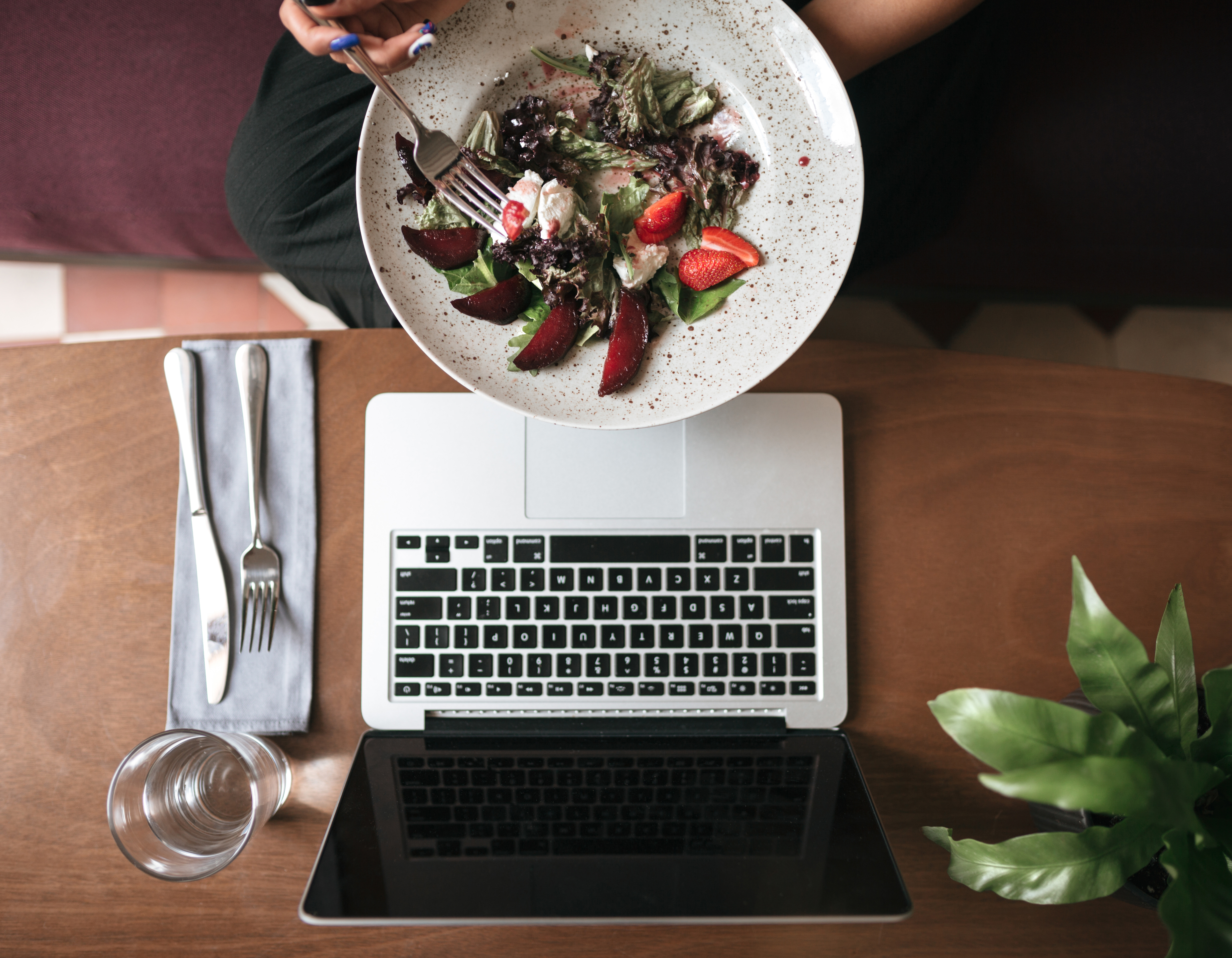 4 Tech Trends The Restaurant Industry Should Be Aware Of